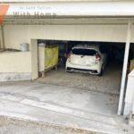 現地(2020年12月)撮影 愛車を雨から守ってくれる掘り込み車庫